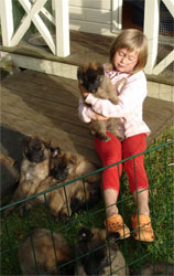 Rikke with the puppies